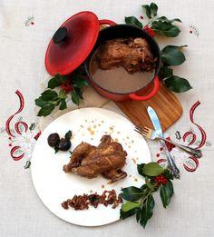 Picantones guisados con dátiles y ciruelas, un gran plato de navidad Photo Food, Panna Cotta, Ethnic Recipes, Carne, Instagram, Gourmet, Crock Pot, Kabobs, Raisin