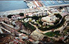 Museo Refugio antiaéreo en Cartagena fue excavado en la ladera de la Colina 1937, era uno de los más grandes de la ciudad ya que podía albergar hasta 5.500 personas. Provincia de Murcia. #historia #turismo  http://www.rutasconhistoria.es/loc/museo-refugio-guerra-civil-cartagena
