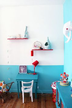 love the color combi - red and aqua Baby Decor, Kids Decor, Deco Kids, Aqua, Turquoise, Nursery Inspiration, Kids Bedroom, Blue Bedroom, Child Room