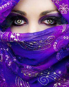 Everyone looks good in purple! But those eyes. Purple Love, All Things Purple, Shades Of Purple, Deep Purple, Purple Style, Purple Reign, Cool Eyes, Beautiful Eyes, Beautiful Things