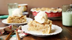 One of the best dutch apple pies you'll eat! Great Desserts, Delicious Desserts, Dessert Recipes, Dessert Food, Candy Recipes, Yummy Recipes, Free Recipes, Healthy Recipes, Apple Pie Recipes