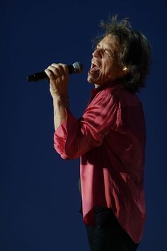 Rolling Stones Frontman Mick Jagger Talks 'No Filters' Tour, Aretha Franklin and Grammys Rolling Stones Tour, Mick Jagger Rolling Stones, Like A Rolling Stone, Christmas Gift 3d, Aretha Franklin, Classic Rock, Rock N Roll, Tours, Celebrities