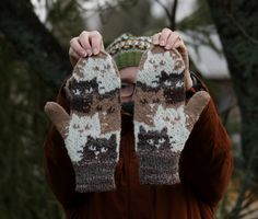 Pujoliivi: joulukuuta 2015 Knitting Projects, Crochet Projects, Knitting Patterns, Pattern Library, Knitting Socks, Knit Crochet, Gloves, Sweaters, Crafts