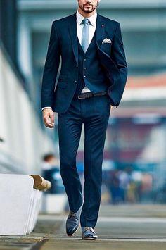 Men's Suits - Le costume gris anthracite homme en 40 photos! - Most Pin Mens Fashion Blog, Fashion Mode, Suit Fashion, Style Fashion, Fashion Menswear, Dress Fashion, Fashion Fashion, Office Fashion, Fashion Brands