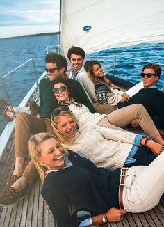 Sailing with Friends, Friendship Photography P: @serasusaglam