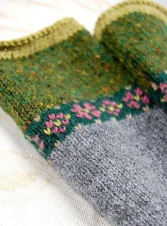 5 Fair Isle Hat Free Knitting Pattern Ravelry: Fair Isle Fingerless Mitts is a creative inspiration for us.Ravelry: Fair Isle Fingerless Mitts is a creative inspiration for us. Mittens Pattern, Knit Mittens, Knitted Gloves, Knitting Stitches, Knitting Patterns Free, Free Knitting, Knitting Yarn, Crochet Patterns, Ravelry