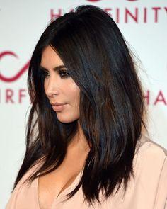Pinterest: DEBORAHPRAHA ♥️ Kim kardashian medium length hair style #kimkardashian #hairstyles