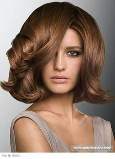 Make a flashy statement with this medium glossy hair style that looks simply stunning. Medium Brown Hair Color, Golden Brown Hair Color, Brown Hair Colors, Hair Medium, Hair Color Asian, Hair Color And Cut, Asian Hair, Hair Colour, Vintage Hairstyles