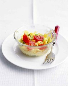 21. Zapped Scrambled Eggs With Veggies #healthy #breakfast #recipes http://greatist.com/health/healthy-fast-breakfast-recipes