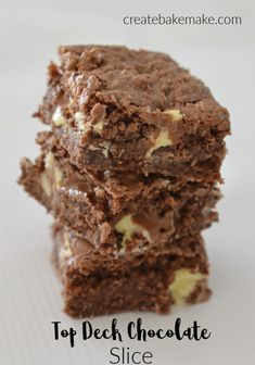 This Top Deck Chocolate Slice Recipe is super simple to make and is a great treat or dessert. Both regular and Thermomix instructions included Top Deck Chocolate, Chocolate Slice, Homemade Chocolate, Easter Chocolate, Chocolate Desserts, Kid Desserts, Great Desserts, Delicious Desserts, Dessert Recipes