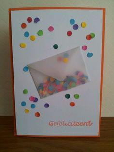 leuke verjaardagskaart met confetti.