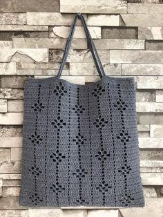 Ideas For Knitting Bag Diy Ganchillo Diy Crochet Cardigan, Débardeurs Au Crochet, Crochet Tote, Crochet Handbags, Crochet Purses, Filet Crochet, Crochet Stitches, Hand Knitting, Knitting Patterns