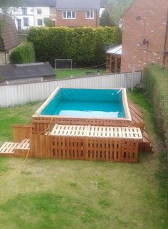 Build a Swimming Pool Out Of 40 Pallets – [pin_pinter_full_name] Build a Swimming Pool Out Of 40 Pallets Build a Swimming Pool Out Of 40 Pallets – Easy Pallet Ideas Building A Swimming Pool, Garden Swimming Pool, Natural Swimming Pools, Building A Deck, Homemade Swimming Pools, Natural Pools, Building Plans, Patio Chico, Piscina Diy