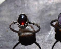 899d5d7788e4 Envuelta granate anillo anillo de plata esterlina oxidada Anillos De Plata  Esterlina