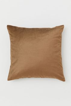 Velvet cushion cover - Dark beige - Home All Beige Table Lamps, Decorative Accessories, Home Accessories, H&m Home, Dark Beige, H&m Gifts, Velvet Cushions, Fashion Company, Cushion Covers