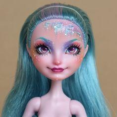 "Oscar na Instagramie: ""A before and after 🌌 aurora borealis girl 🌌🌌🌌 . . . . . From #monsterhigh #monsterhighdolls #doll #dollart #dollstagram #repaintdoll…"" Doll Painting, Doll Eyes, Doll Repaint, Monster High Dolls, Aurora Borealis, Halloween Face Makeup, Instagram, Art, Northern Lights"
