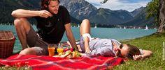 Ein Picknick am See? Einfach herrlich.... Hotels, Sports, Summer Vacations, Water Sports, Alps, Viajes, Simple, Hs Sports, Sport