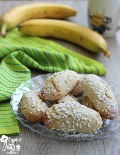 BISCOTTI ALLA BANANA Sono davvero buonissimi questi biscotti alla banana, morbidi dentro, facili da fare e golosissimi !