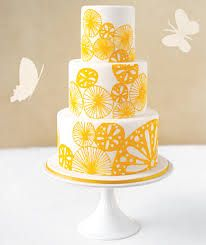 Google Image Result for http://budgetdreamweddings.com/wp-content/uploads/2010/08/summer-cake_300.jpg