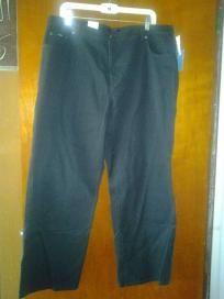 "Izod. Jeans v pretty 4 woman size 20.W. F 4 $24.99 newt waist 40""Hip 50""L40"" 97cotton3%. Spandex."