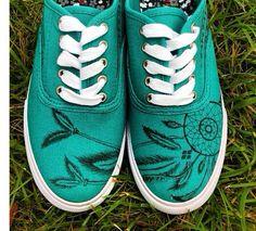 Dream Catcher Shoes por VuVuDesigns en Etsy, $69.00
