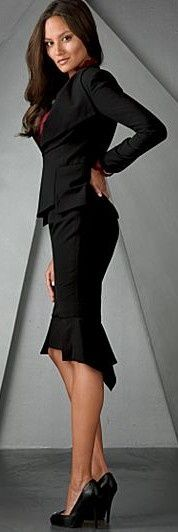 Beautiful office outfit! I can picture myself in this black skirt suit.