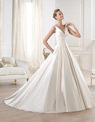 Pronovias ti presenta l'abito da sposa Ocumo. Glamour 2014.   Pronovias