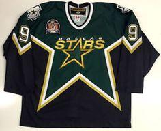Hockey Logos, Hockey Teams, Hockey Sweater, Nhl Jerseys, Helmets, Manchester, Dallas, Retro Vintage, Sports