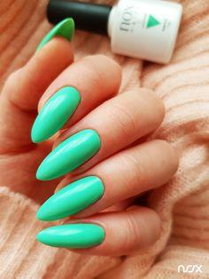 Wiosna w pełni, więc w świecie manicure nie może zabraknąć uroczych zieleni, takich jak nasz wyjątkowy Kaktus! Jak Wam się podoba ten niezwykły kolorek? Dajcie znać! 🌵  #nails #nail #nailsart #nailart #nailsartist #nailartist #greenanils #nails2inspire #nailsinspirations #nailsdesign #nailswag #mani #manicure #manicurehybrydowy #paznokcie #paznokciehybrydowe #paznokcieżelowe #zielonepaznokcie #hybrydy #hybryda #pazurki Nails, Manicure, Nail Art, Aga, Beauty, Long Nails, Cactus, Finger Nails, Nail Bar