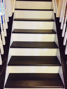 gray stairs with white risers - Google Search Painting Wooden Stairs, Painted Wood Stairs, Painting Laminate Furniture, Painted Staircases, Painted Floors, Basement Remodel Diy, Basement Remodeling, Basement Ideas, White Stair Risers