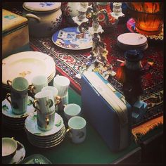 Exciting vintage shopping!  #childinasweetieshop #vintagetravels #vintageshop #vintagefinds #vintagecurios