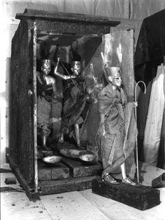 harry carter king tut | Burton photograph p0999 relating to Carter no. 275b