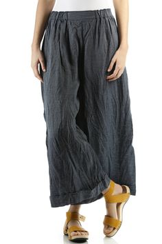 Daniela Gregis (very similar to some older CP Shades pallazo pants I have) Beautiful Outfits, Cool Outfits, Linen Pants, Style Guides, Dress Skirt, Style Me, Textiles, Trousers, Clothes For Women