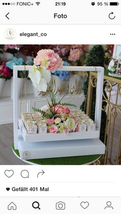 Ramadan Decorations, Wedding Decorations, Bridal Gift Wrapping Ideas, Chocolate Bouquet Diy, Creative Wedding Gifts, Trousseau Packing, Hamper Ideas, Diy Bouquet, Hampers