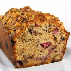 One Perfect Bite: Strawberry Tea Bread - Sweet Cheeks Winery. Need to compare this to our fav strawberry bread recipe. Ours has no sour cream and is very rich and yummy. Just Desserts, Delicious Desserts, Dessert Recipes, Yummy Food, Healthy Food, Healthy Recipes, Muffins, Strawberry Tea, Dessert Bread