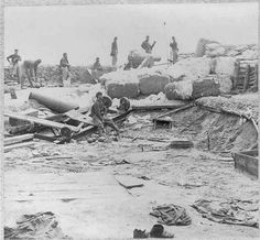 Confederate Soldiers Manning T... is listed (or ranked) 9 on the list 23 Astounding Civil War Battlefield Photos