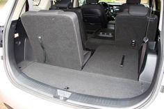 Dinamikus formájának köszönhetően valós, bő 4,5 méteres hosszánál kompaktabbnak tűnik az alapáron is LED-es menetfényekkel adott Kia Carens. [break]A Thule kerékpártartó a gyári kiegészítők sorából került rá Kia Carens, Baby Car Seats, Led