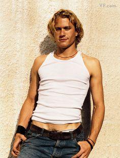Heath Ledger... so sad:( but so attractive!