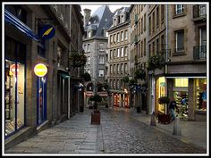 St. Malo, France - the first and only time I've had kiwi ice cream (it was pretty good)