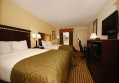 Clarion Inn & Suites: minutes from Haywood Mall, surrounded by restaurants and close to Downtown. All rooms and suites have a flat-screen TV, microwave and refrigerator. A deluxe hot breakfast is included in the rate. 50 Orchard Park Drive. 864-254-6383 www.clarioninngreenvillesc.com