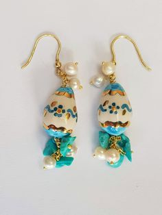 ivory and turquoise earrings with a painted egg, turquoise and pearls POSITANO Positano, Pendant Earrings, Drop Earrings, Summer Feeling, A Perfect Day, Resort Style, Turquoise Earrings, Turquoise Stone, Santorini