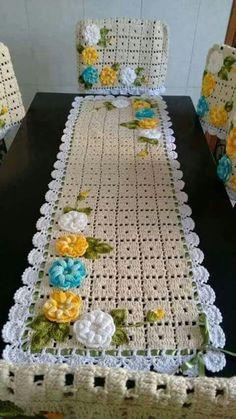 Crochet Tablecloth Pattern, Crochet Table Runner, Crochet Doilies, Crochet Kitchen, Crochet Home, Crochet Yarn, Crochet Cushion Cover, Crochet Cushions, Recycled Crafts
