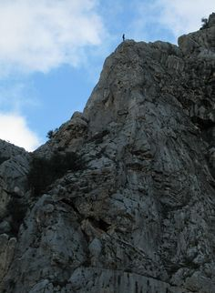 El Chorro is a town in the southern part of Spain, in the Malaga province, at the end of limestone gorge - Desfiladero de los Gaitanes. Ecology Design, Sport Outdoor, Malaga, Climbing, Healthy Lifestyle, Spain, Nature, Sports, Hs Sports