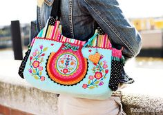 check out this gorgeous bag - bellaFIORI embroidery via www.huups.de