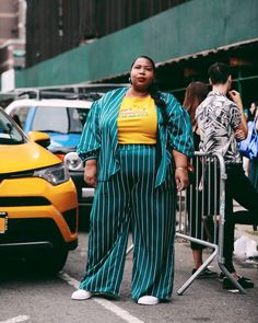 Historically, mainstream NYFW street style galleries almost exclusively feature thin women. This season, InStyle wanted to change that and dedicate our entire street style gallery to plus-size women instead. Fat Fashion, Curvy Fashion, Plus Size Fashion, Travel Fashion, Fashion Women, Look Plus Size, Plus Size Model, Missoni, Plus Size Street Style