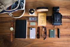 mens accessories 1920 s Edc Essentials, Camping Essentials, What In My Bag, What's In Your Bag, Gents Fashion, Best Mens Fashion, Gadgets, Gadget Pas Cher, Gents Wear