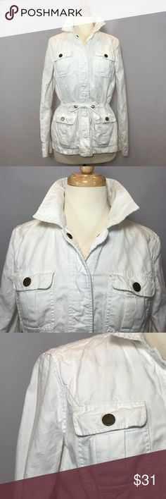 Tommy Hilfiger Linen&Cotton WhiteUtility Jacket Website - 	WWW.THECHICAGOCONSIGNMENT.COM 	 Instagram - 	@CHICAGOCONSIGNMENT 	 Condition -	VERY GOOD 	 Brand -	 	 SKU -	484-RSL 	 Retail Price -	$179  	 Size -	MEDIUM 	 Fit - 	REGULAR 	 Material - 	LINEN & COTTON 	 Sleeve length -	24 	 Length -	26 	 Hip - 	18.5 	 Inseam - 	 	 Waist - 	18 	 Bust -	19 	 Color - 	WHITE 	 Stretch -	 	 Ankle - 	 	 Add'l Info. -	DRAWSTRING WAIST CORD 	 Note - 	NO TRANSACTIONS OFF POSH.  WE BUNDLE DISCOUNT AND ACCEPT…