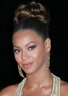 Beyonce Big Bun Wedding Updo For Black Womens Hairstyles High Bun Hairstyles, Braided Hairstyles For Wedding, Wedding Updo, Celebrity Hairstyles, Weave Hairstyles, Bridal Hairstyles, Braided Updo, Beyonce Hairstyles, Sleek Hairstyles