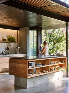bCd This kitchen exemplifies all we want in 2019 Terrazzo floor tick warm wood tick open shelves tick and outside right there tick Modern Kitchen Design, Interior Design Kitchen, Urban Interior Design, Modern Design, Terrazzo Flooring, The Design Files, Cuisines Design, Home Decor Kitchen, Kitchen Ideas