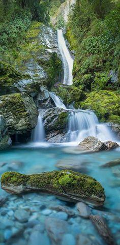 Bridal Veil Falls - Routeburn Track, Fiordland, NZ Best hiking New Zealand #newzealandhikes #tuitrip #rimutrip